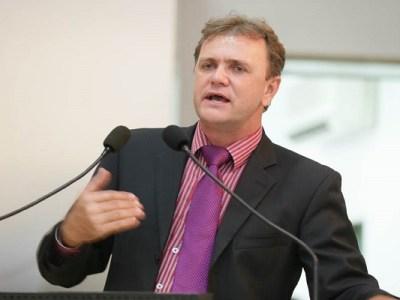 Luizinho pede cirurgias de cataratas para pacientes Ji-Paraná