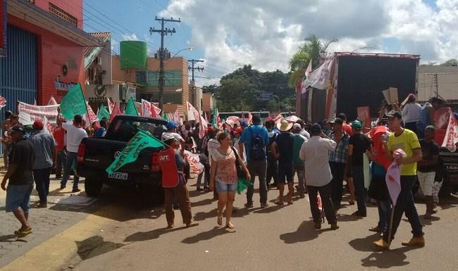 Moradores atingidos pela cheia do Madeira cobram terras prometidas pelo INCRA