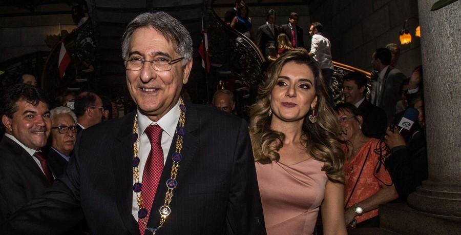 Governo de Minas anuncia pagamento do 13º salário dos servidores em até três parcelas
