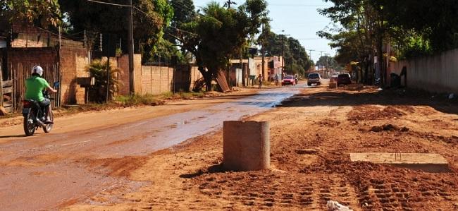 Moradores do bairro Socialista cobram asfalto prometido pela prefeitura