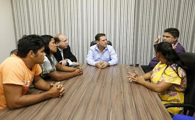Maurão recebe moradores do bairro Universitário, na capital