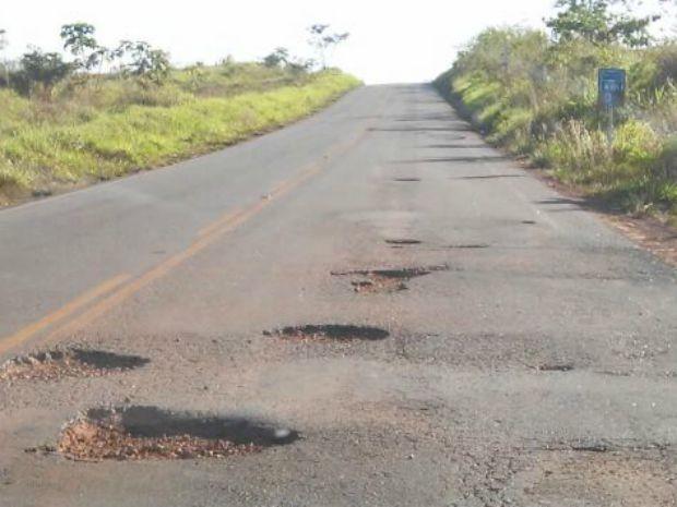 Excesso de buracos em rodovia estadual preocupa motoristas