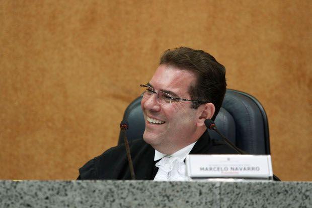 Dilma nomeia desembargador Marcelo Navarro novo ministro do STJ