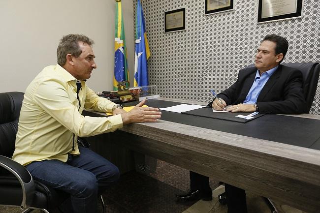 Deputado Maurão se compromete em ajudar Rolim de Moura