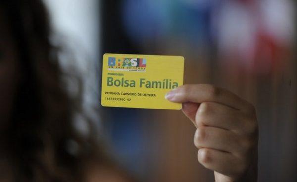 8 mil servidores federais recebem Bolsa-Família, detecta auditoria