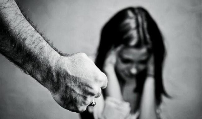 Jovem foi estuprada duas vezes; vídeo mostra ela implorando para que parassem