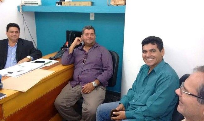 Deputado Jean Oliveira recebe pleitos de vereadores de Cabixi