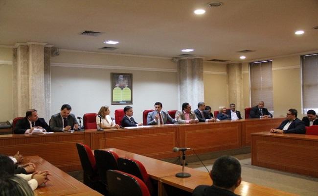 Comissão dos Advogados Criminalistas da OAB/RO é empossada e já sai na defesa de seus membros
