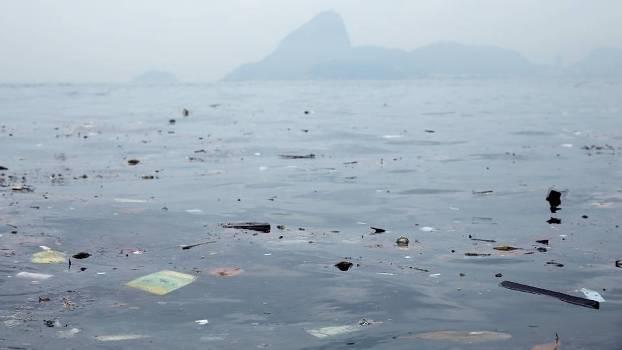 Apresentador da ESPN desafia autoridades olímpicas a nadarem em água poluída no Rio