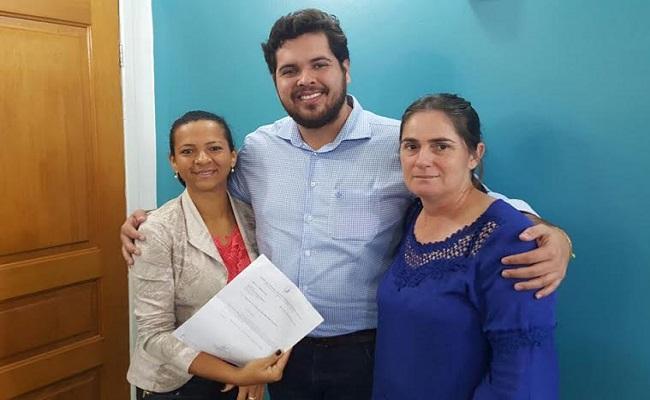 Deputado Jean Oliveira recebe reivindicação de vereadoras do Rio Crespo