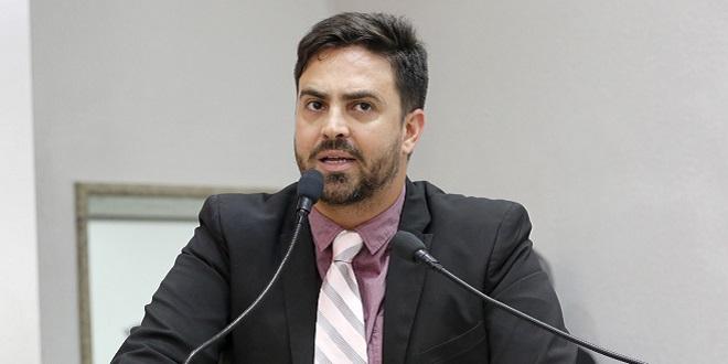 Léo Moraes requer informações de servidores transpostos