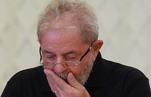 Planalto atua para blindar ex-presidente Lula
