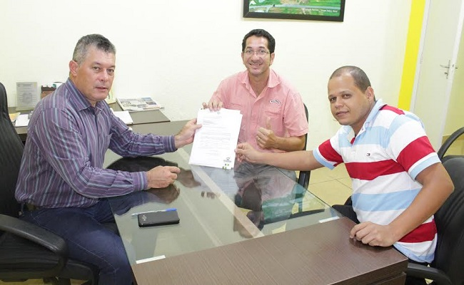 Deputado Edson Martins destina emenda de R$ 80.000,00 para compra de  veículos para saúde de Costa Marques