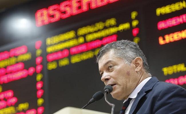 Deputado Edson Martins quer extensão universitária presente em municípios de Rondônia