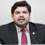 Jean Oliveira solicita construção de uma escola no Povoado Petrópolis em União Bandeirante
