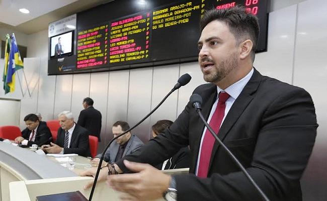 Léo Moraes diz que projeto da União fere direitos dos servidores públicos