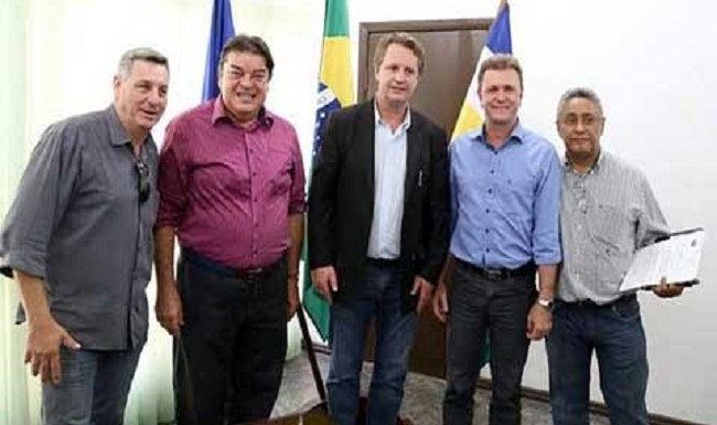 Deputado Luizinho acompanhará visita técnica da Comissão de Saúde no Cone Sul