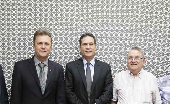 Maurão assegura emenda coletiva para Associação dos Autistas e prestação de contas dos serviços de saúde em Vilhena