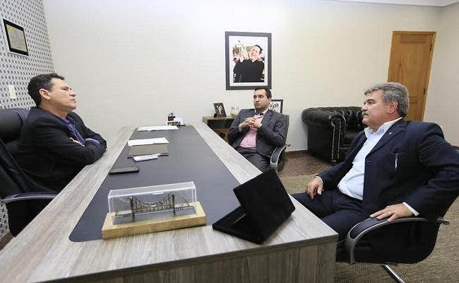 Maurão de Carvalho discute melhoria no orçamento da Defensoria Pública