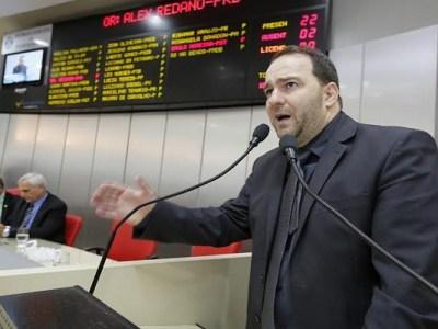 Alex Redano apresenta projeto de lei que beneficia portadores de necessidades especiais