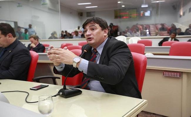 Cleiton Roque propõe Frente Parlamentar de apoio à micro e pequena empresa