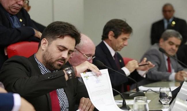 Léo Moraes quer garantir posse de policiais concursados