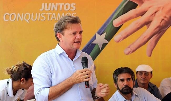 Luizinho Goebel consegue pavimentação para distrito