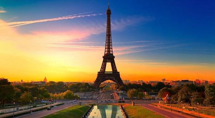 Empresa promove hospedagem na Torre Eiffel, em concurso aberto para todo o mundo