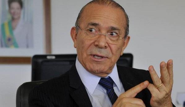 Ministro apoia terceirização do trabalho e agrada executivos