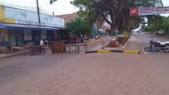 Bolivianos fecham porto e proíbem travessia por tempo indeterminado