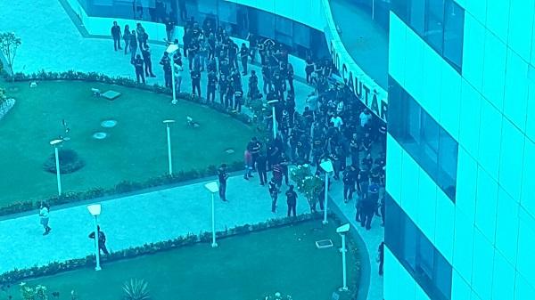 Policiais civis cercam o CPA em Porto Velho