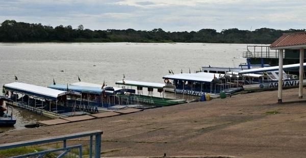 Por crise, bolivianos proíbem brasileiros de atravessarem para compras