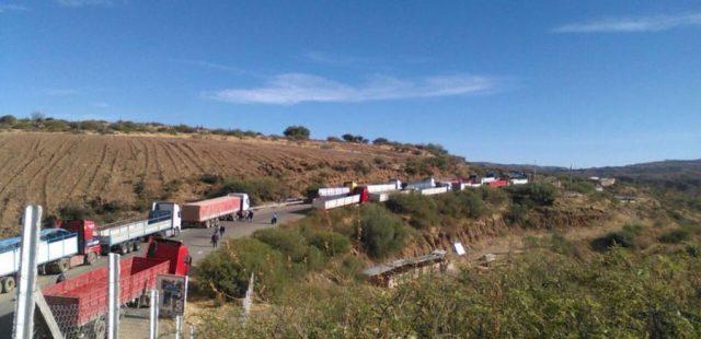 Estrada fechada em Sucre
