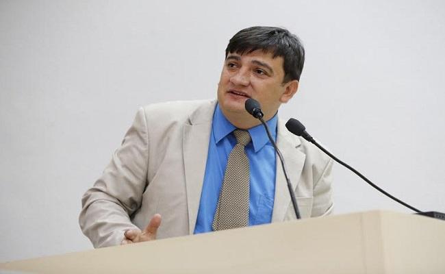 Cleiton Roque destaca reinício de obras na avenida Riachuelo, em Pimenta Bueno
