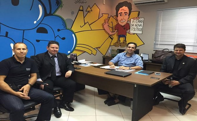Léo Moraes garante trabalho intensificado da Polícia Civil em região ribeirinha da Capital