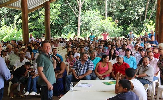 Evento reúne centenas de pessoas em palestra em Vilhena