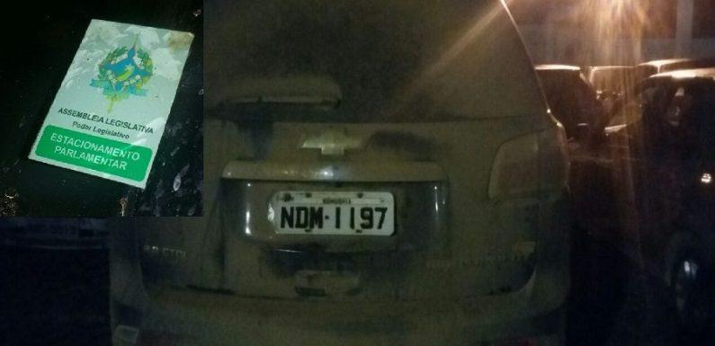 Carro da ALE que estava com deputado é apreendido por multas e dois anos sem pagar impostos