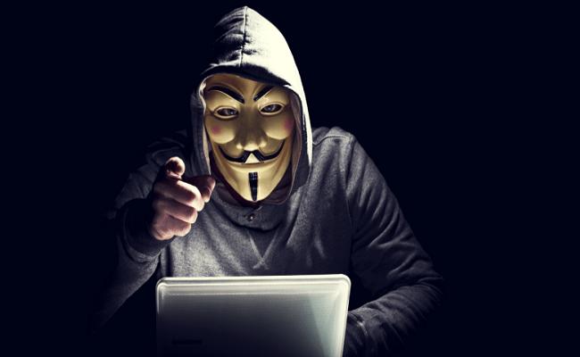 Anonymous ameça senadores que votarem por internet limitada