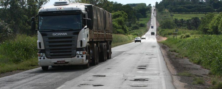 Exame toxicológico é obrigatório em São Paulo para motoristas com habilitação C, D e E
