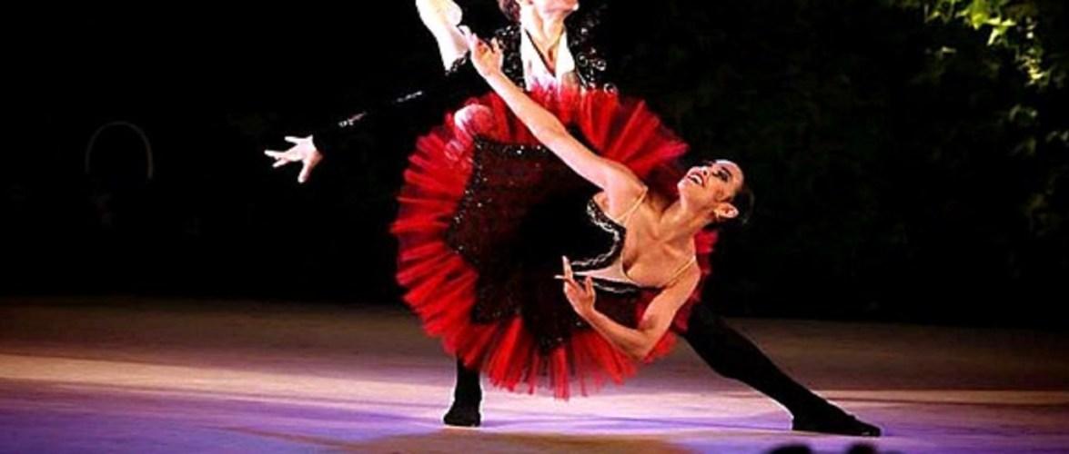 Brasileira formada no Bolshoi em SC vence concurso mundial de dança