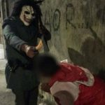 Suposto Policial Militar ameaça com machado