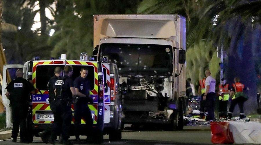 Em Nice, 84 pessoas morreram em ataque terrorista; veja vídeos