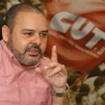 """Em ato com Lula, presidente da CUT chama manifestantes para """"tomar Brasília"""""""