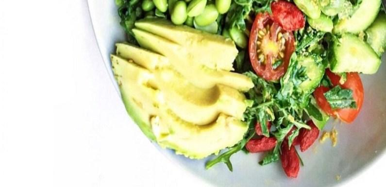 Dez benefícios surpreendentes do Abacate