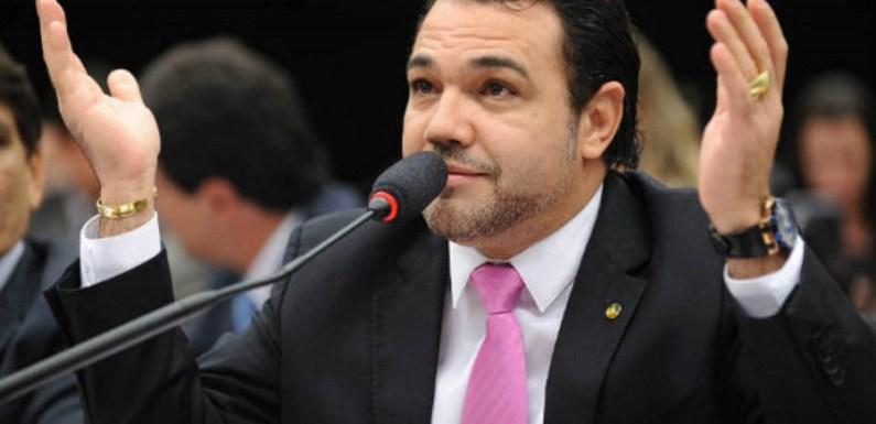 Evento com Feliciano é cancelado após suspeita de assédio sexual