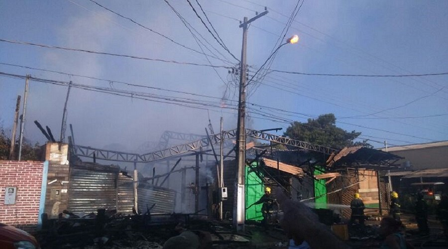 Incêndio destrói loja em Porto Velho
