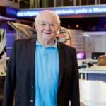 Boris Casoy assina contrato e apresentará o 'RedeTV News'