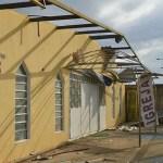 Igreja desaba e escolas ficam destelhadas após vendaval em Samambaia