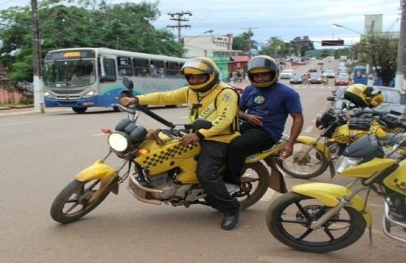Passageiros reclamam de preços abusivos cobrados por mototaxistas de Porto Velho