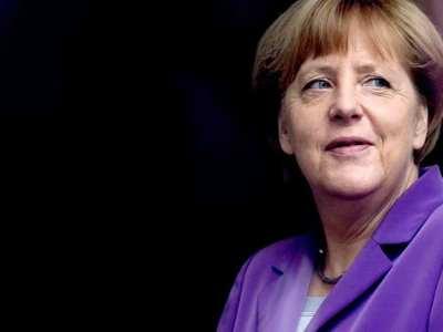 Aliado anuncia candidatura de Merkel à reeleição